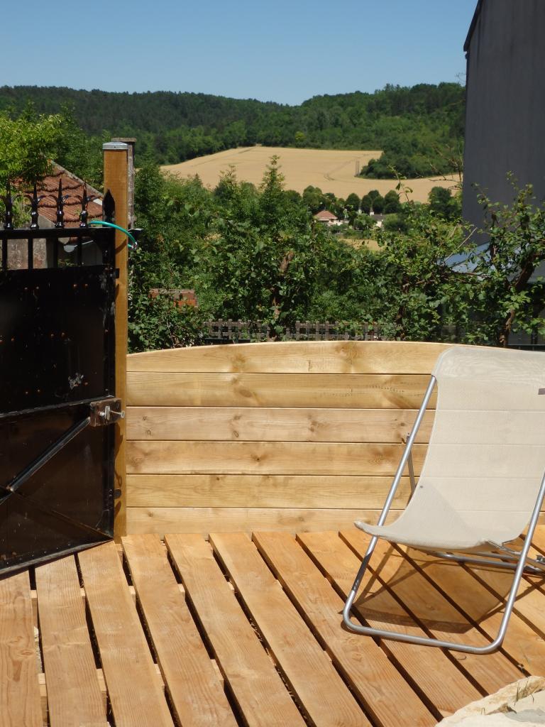 vue  sur la vallée depuis la terrasse